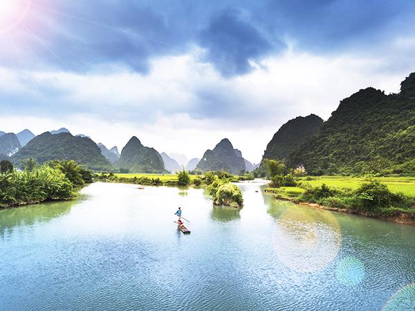 專業包車旅遊帶你越南走透透?